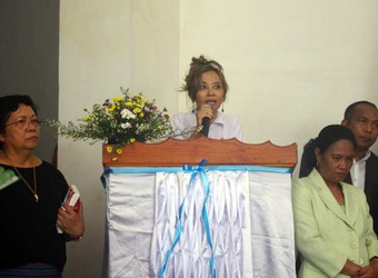 Although the number of Timorese women in the business sector remains small, more are getting involved as a way of improving their family's economic situation.